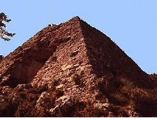 La pyramide de Falicon